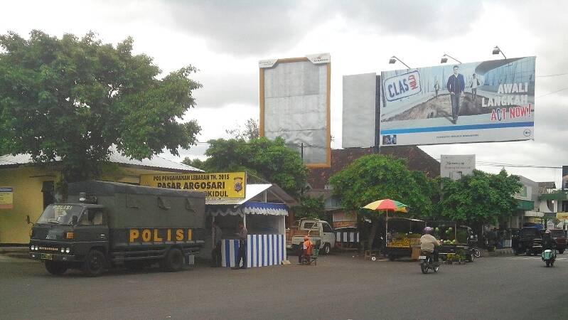 Pospam Pasar Argosari. Foto : Atmaja