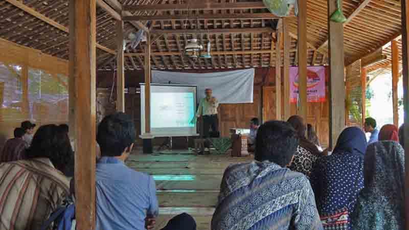Diskusi  pariwisata Rumah Belajar Rakyat. Foto : KH/Kandar