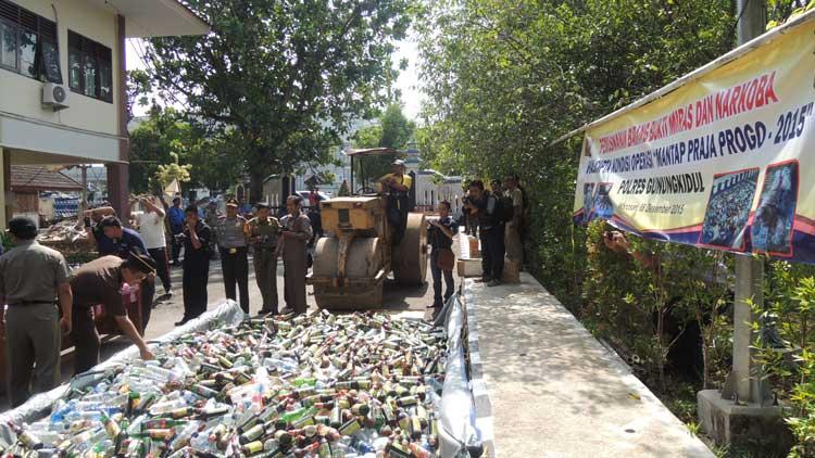 Pemusnahan Miras dan Obat Terlarang, Foto: KH/ Kandar