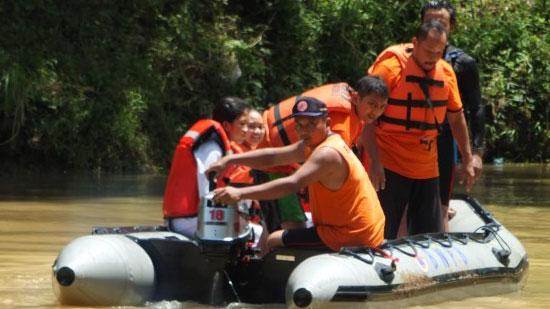 Simulasi penyelamatan korban air. KH