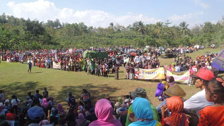 Upacara digelar sebelum pelaksanaan kirab budaya dan potensi ekonomi Desa Kepek. KH/ Kandar.