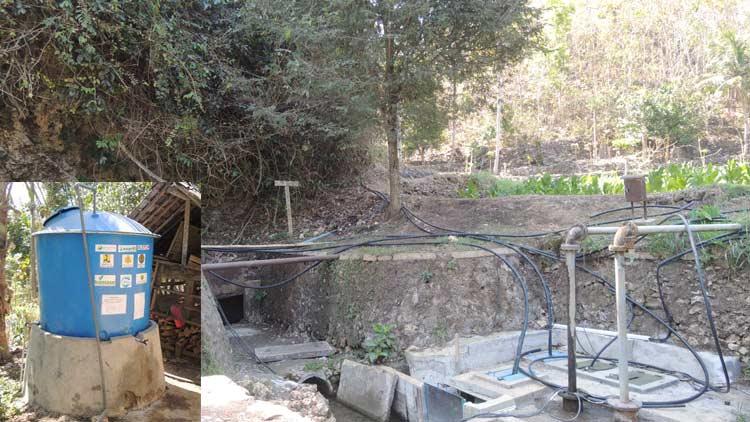 Sumber mata air yang airnya diangkat menggunakan tenaga surya. insert: bak tampungan di pemukiman warga. KH/ Kandar