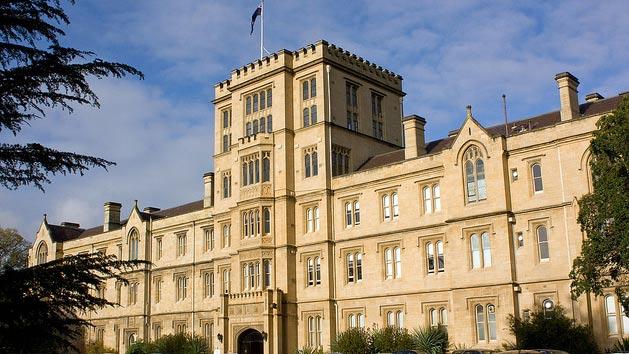 Universitas Melbourne, Australia. Sumber: internet