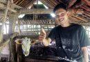 Inilah Sosok Fariz, Pembuat Video Tutorial Ngarit Yang Bermimpi Ke Mekah