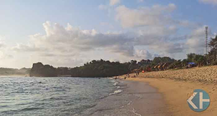 Pantai Sadranan. Foto: Tatang.
