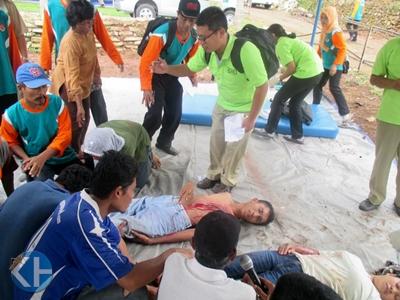Simulasi Penanganan Bencana di Desa Natah. Foto: Juju.