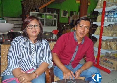 Suratmi dan Slamet, Penerus Bisnis Tiwul dan Gatot Yu Tum. Foto: Sarwo