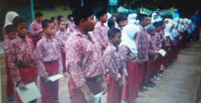 Siswa MI Yappi Balong. Foto: Sarwo.