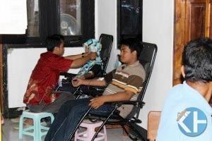Donor darah FKRM Desa Wareng. Foto: Hari.