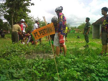 Bakti Sosial Kodim 073/Gk bersama PT Pertamina di Trengguno Wetan.