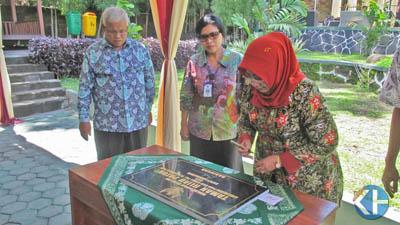 Bupati resmikan Taman Hijau Gerbang Patuk. Foto: Atmaja.