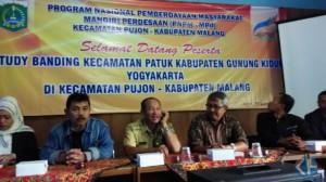 Studi banding Kantor Kecamatan Patuk dalam pengembangan UKM. Foto: Atmaja.
