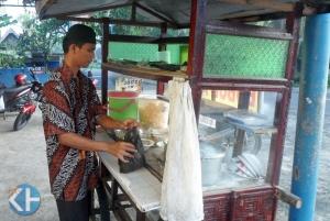 sunyoto,penjual bubur ayam