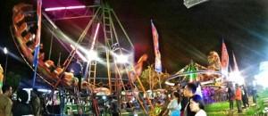 Pasar malam menghibur warga Wonosari dan sekitarnya. Foto: Ulfah.