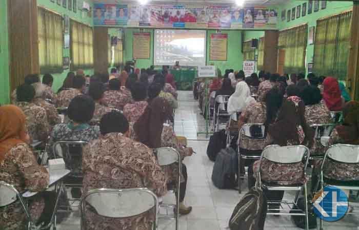 Pertemuan guru SD dan kepala sekolah se-Wonosari. Foto : Atmaja.