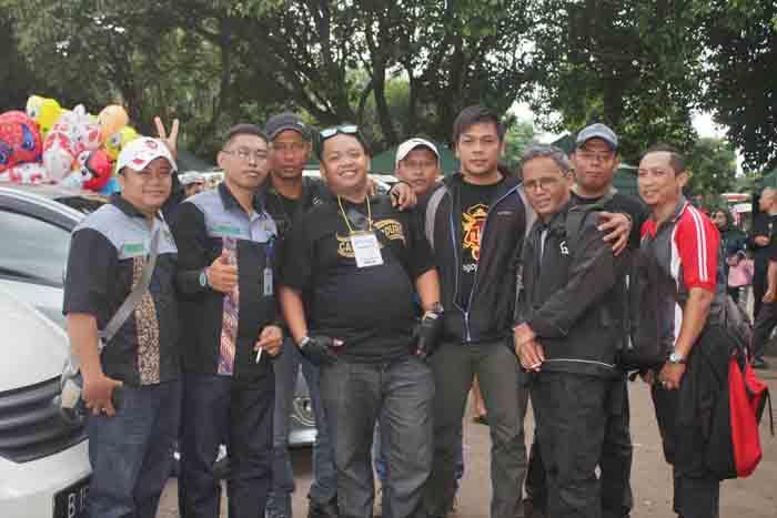 Daru (kedua dari kiri) bersama anggota paguyupan yang berasal dari Gunungkidul. Foto Agus.