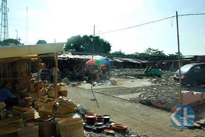 Pasar Semin paska kebakaran. Foto : Juju