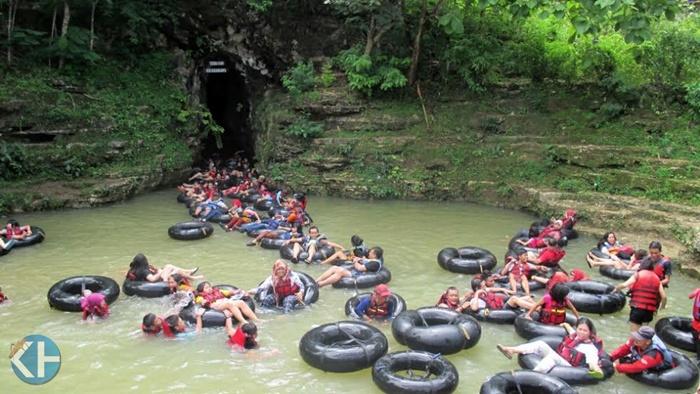 Suasana Wisatawan di Goa Pindul. Foto:Atmaja