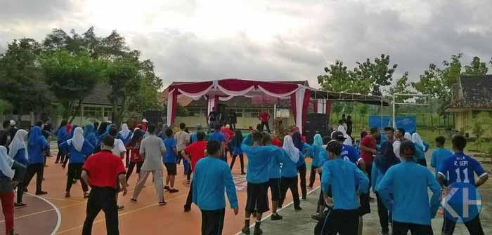 Senam pagi bersama seluruh murid, guru, pegawai SMN 1 Semanu. Foto : Jodhy