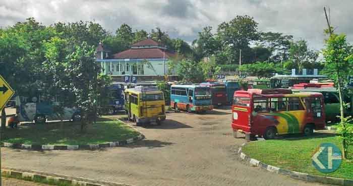 Suasana Angkutdes di Terminal Dhasinaga. Foto : Atmaja