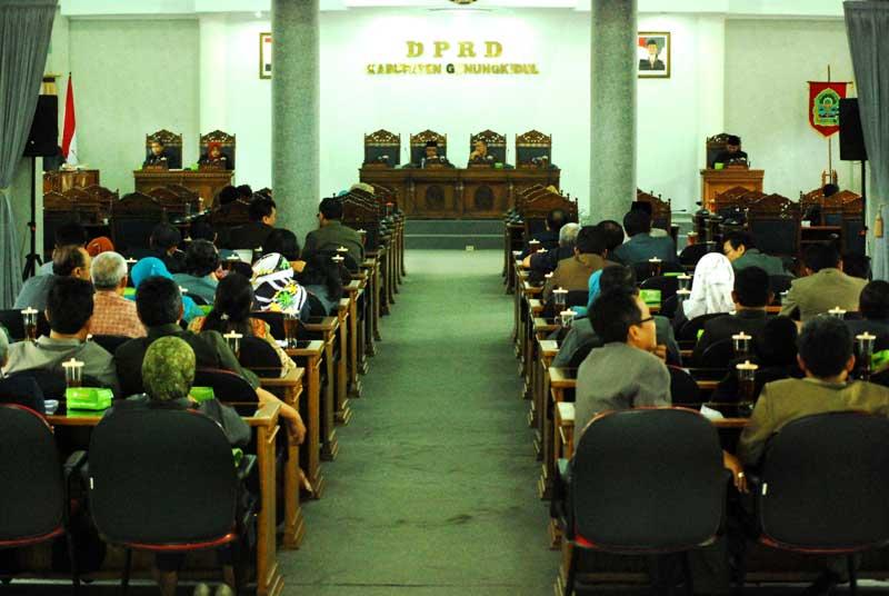 DPRD Gunungkidul bahas Raperda. Foto: Juju.