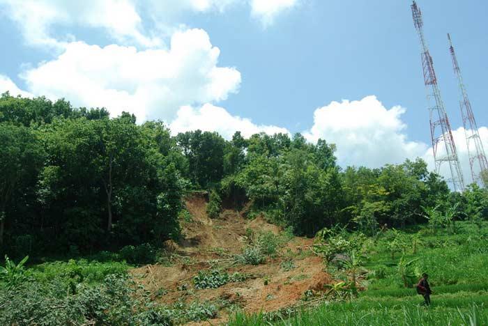 Longsor di Ngoro-oro Patuk. Foto: Juju.