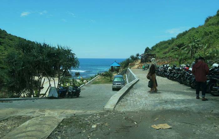 Pantai Ngedan Krambilsawit Saptosari. Foto: Kandar.