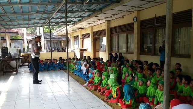 Kegiatan outing Sekolah Assalam. Foto: Hari.