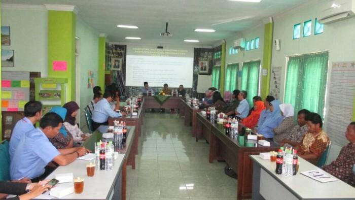 pertemuan mentoring formal perpustakaan desa ke-2. Foto : Atmaja