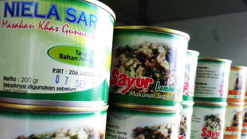 Produk makanan dalam kaleng Niela Sary. Foto: Gemma.