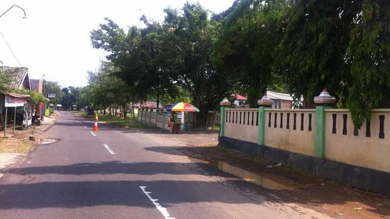 Pos retribusi WIsata Goa Pindul di samping Balai Desa Bejiharjo. Foto: Juju.