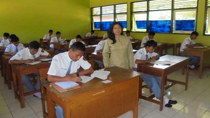 Proses belajar-mengajar di SMKN 1 Ponjong. Foto: Hari.