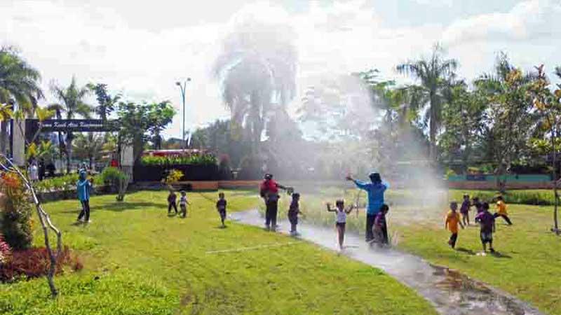 Kegiatan SPS Handayani bersama Damkar Gunungkidul di Taman Kota Wonosari. Foto: Hari.