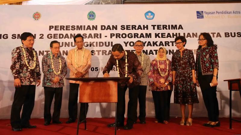 Peresmian Gedung Program Tata Busana dan Butik SMKN 1 Gedangsari. Foto: Juju.