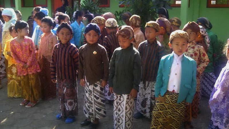Peringatan Hari Kartini di SDN Legundi 1 Panggang. KH/Kandar.