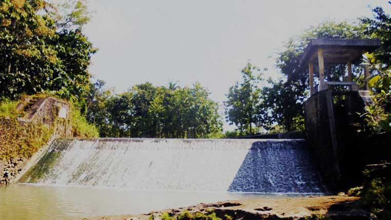 Bendung Gedangan di Desa Gedangrejo Karangmojo. Foto: Hari.
