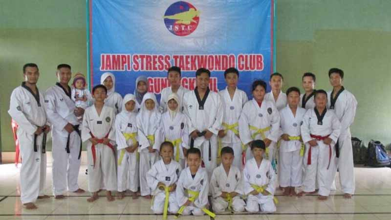 Jampi Stress Taekwondo. Foto : Atmaja