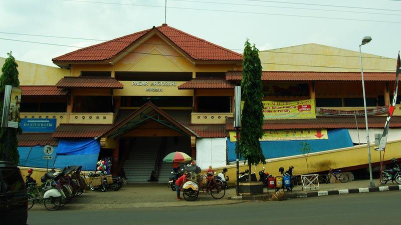 Pasar Argosari Wonosari, pusat jual-beli barang terbesar di Gunungkidul. KH/Jjw.