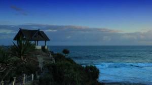 Pantai Kukup dengan ciri khas Pulau Kecil dan Jembatan Penyeberangan. KH/Bara