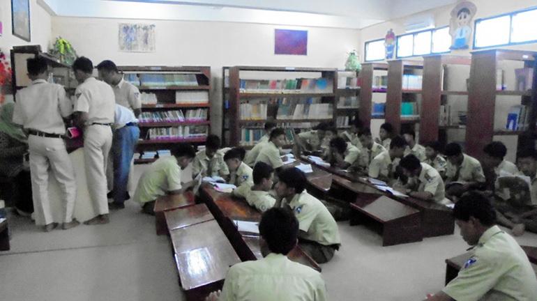 Fasilitas Perpustakaan SMK Yappi Wonosari. Foto: Hari.