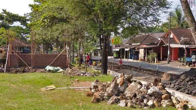 Pembangunan pos tetribusi. Foto : Kandar