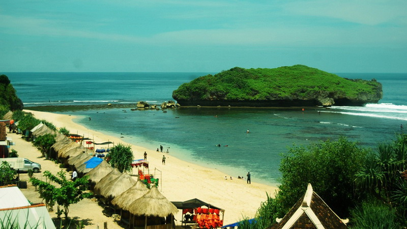 Pantai Sadranan, salah satu spot snorkling di pantai selatan Gunungkidul. Foto: Juju.