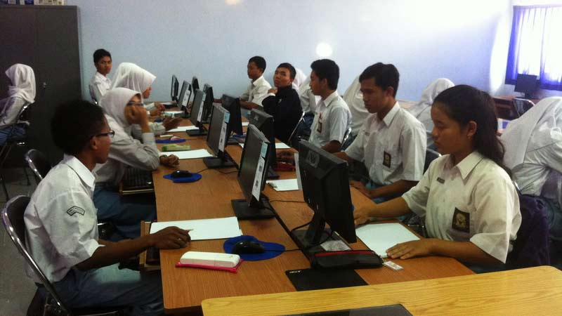 Pelaksanaan UN berbasis komputer di SMAN 1 Wonosari. Foto: Juju.