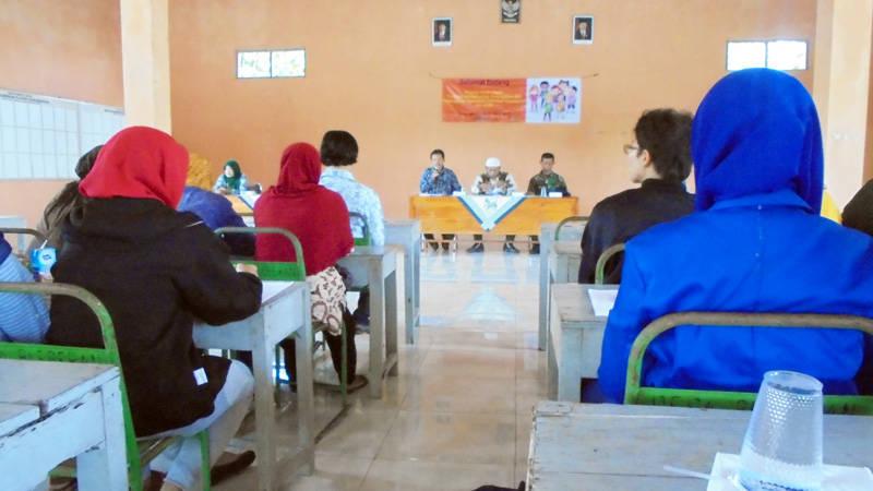 Kegiatan Youth Camp. Foto : Hari