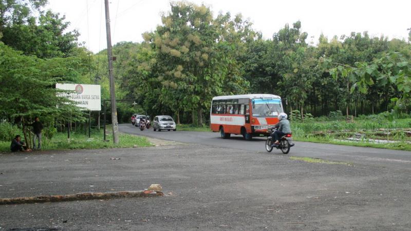 Jalur jalan raya Playen - Paliyan masih minim marka dan rambu jalan. KH/Atmaja.
