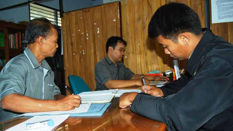 pengisian formulir calon pps. Foto : Juju