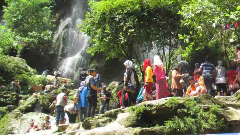 Pemandangan wisata Srigethuk
