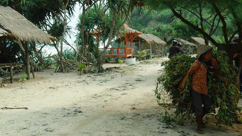 Pantai Watu Kodok, Kemadang, Tanjungsari. KH/Juju.