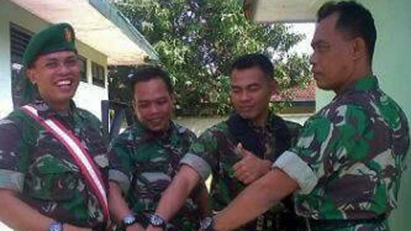Jam tangan pemberian panglima TNI. foto : Anjani