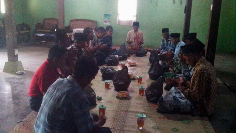 Kenduri ruwahan di Desa Giring Paliyan. KH/Atmaja.